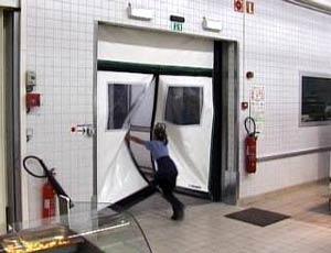 Промышленные рулонные скоростные ворота Dynaco серии M2 Emergency Exit